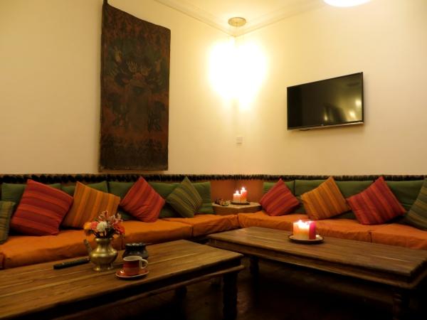Micasa hotel hotel micasa nepal hotel in kathmandu hotel for Living room design in nepal